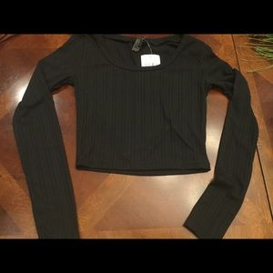 Small Black crop, long sleeve
